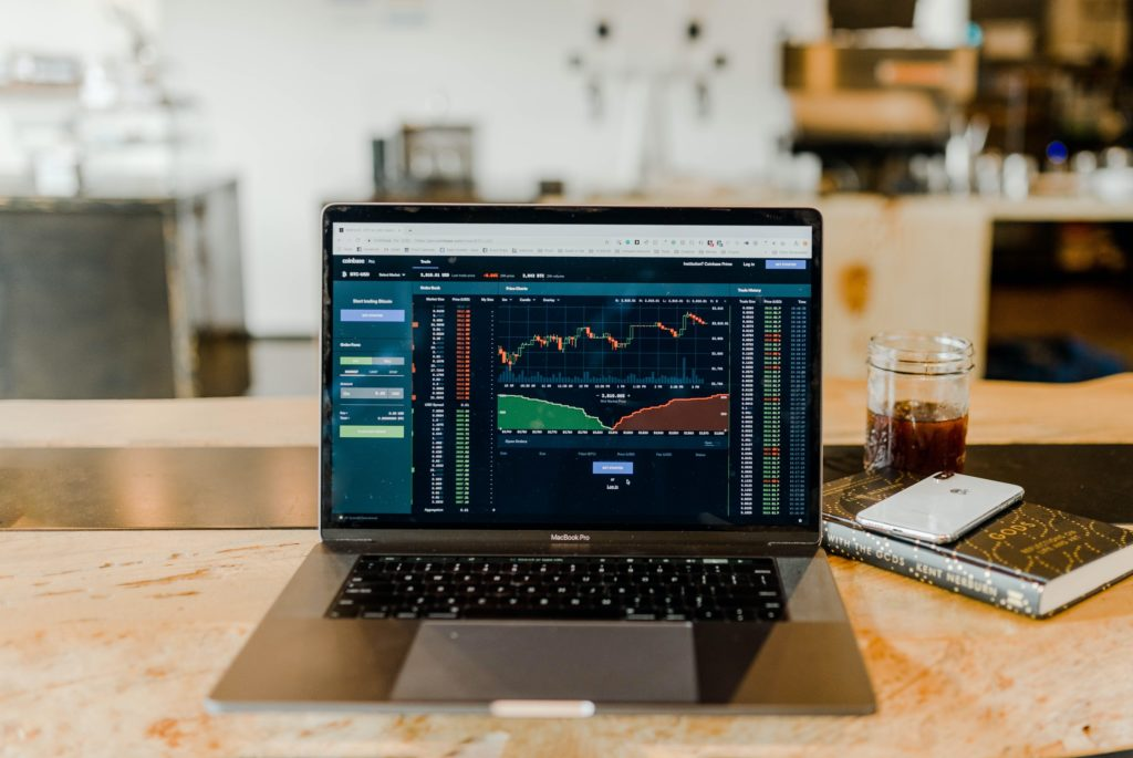 Går det att bli rik på aktier?